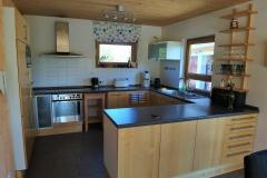 Apartment B - Küchenbereich / Kitchen Area